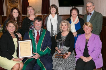 Pictured at a mayoral reception for South Tipperary Cancer Support Centre seated, Theresa Irwin, Mayor Pat English, Anne Kennedy, Carol English, back,Jackie Dillon, Grainne Moyall, Anne McLennon, Aine Kerton, Dr Fiuza Castineira.